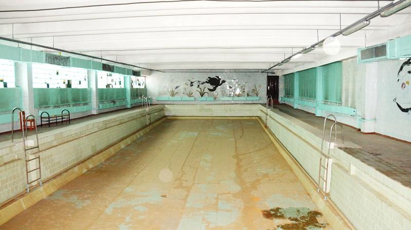 Бассейн, требующий капитального ремонта, в СОШ «Белая» п. Средний